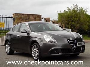 used Alfa Romeo Giulietta JTDM-2 LUSSO (DIESEL) MANUAL in wrexham