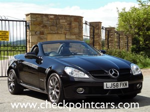 used Mercedes SLK SLK200 KOMPRESSOR HARD TOP CONVERTIBLE in wrexham