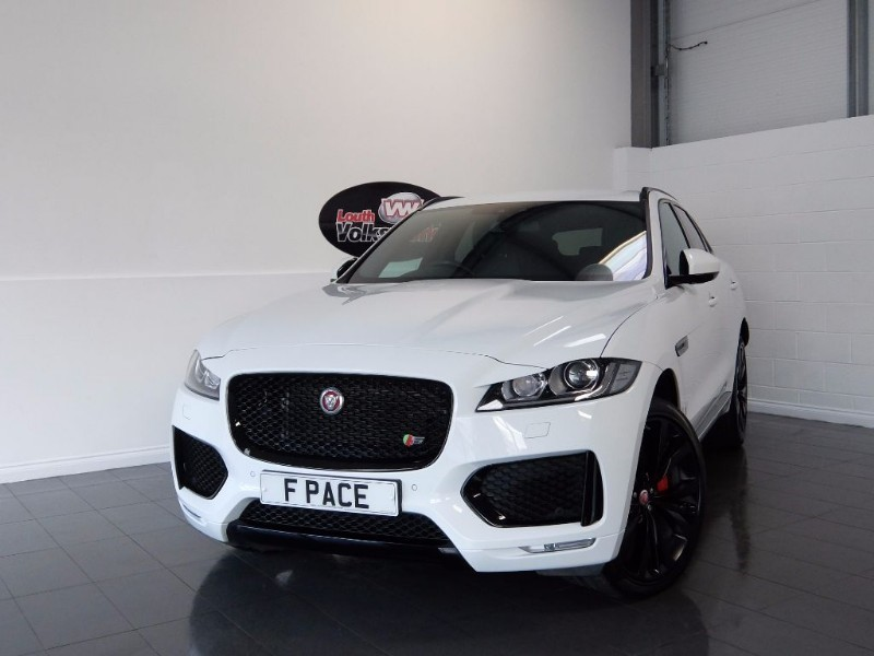 "used Jaguar F-Pace V6 S AWD BLACK PACK 22"" HELIX ALLOYS, ELECTRIC SPORTS SEATS in lincolnshire-for-sale"