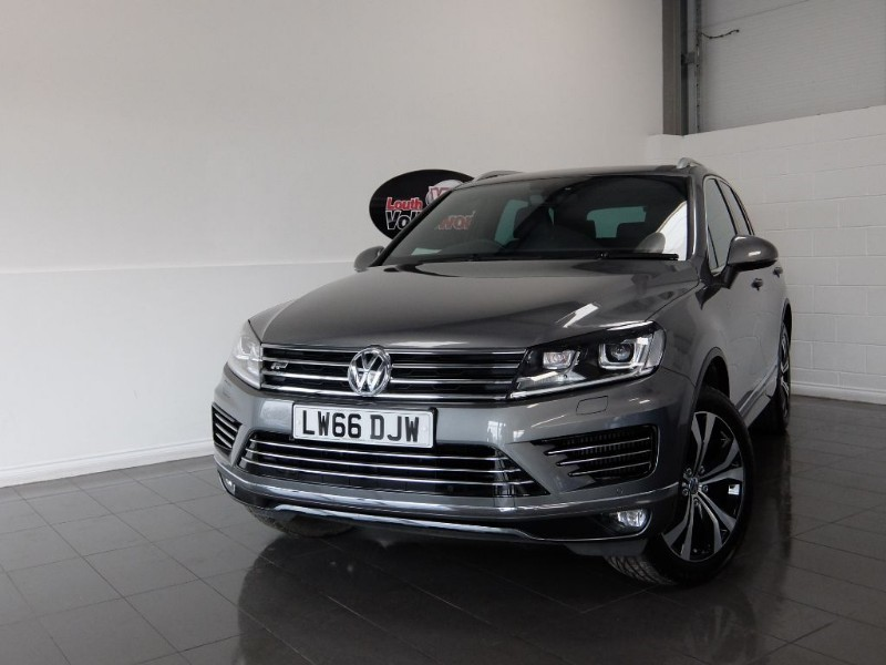 used VW Touareg TDI R LINE 5DR SAT NAV FULL LEATHER INTERIOR in lincolnshire-for-sale