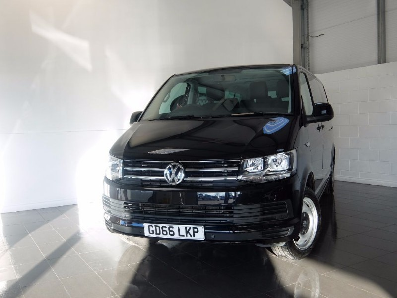 used VW Transporter T32 TDI SHUTTLE SE AUTOMATIC SAT NAV FULL LEATHER INTERIOR in lincolnshire-for-sale