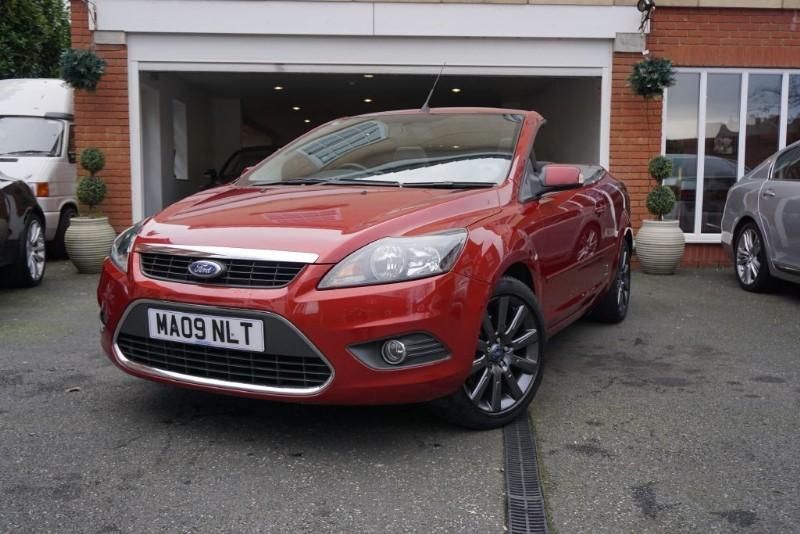 used ford focus cc 2 in wigan greater manchester. Black Bedroom Furniture Sets. Home Design Ideas