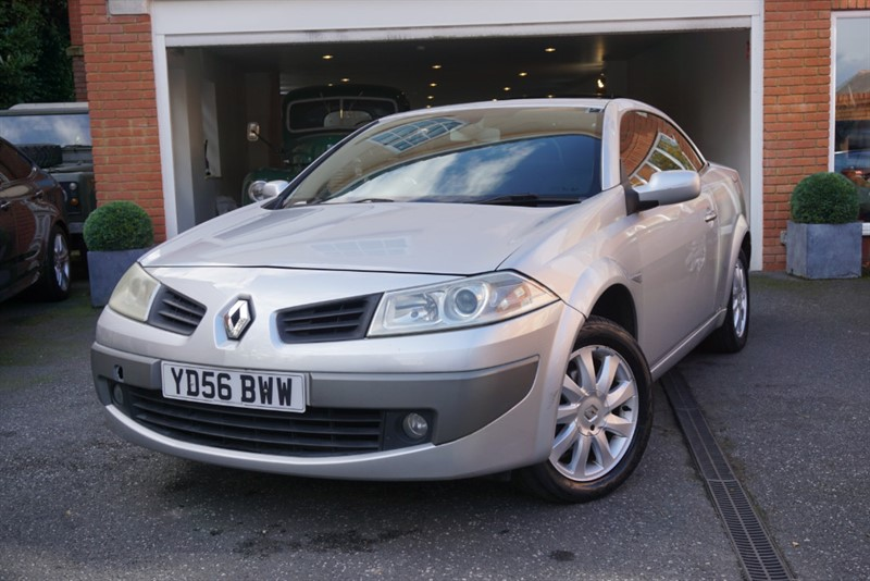 Car of the week - Renault Megane DYNAMIQUE VVT CONVERTIBLE - Only £1,495