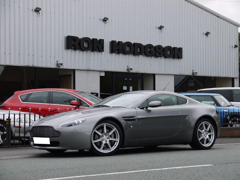 used Aston Martin Vantage V8 SAT NAV HEATED SEATS in lancashire