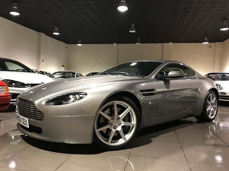 used Aston Martin Vantage VANTAGE V8 COUPE SAT NAV FULL ASTON MARTIN HISTORY in lancashire