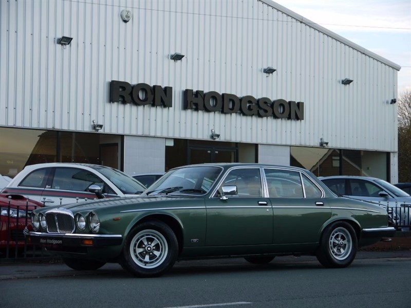 used Daimler Sovereign XJ 4.2 in lancashire