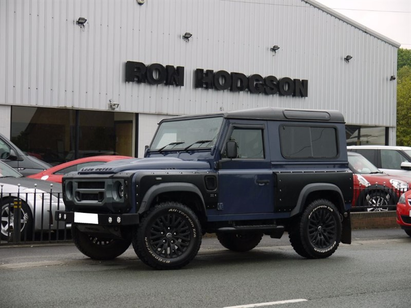 used Land Rover Defender 90 TD KAHN CHELSEA WIDE TRACK PLUS TWISTED UPGRADES in lancashire