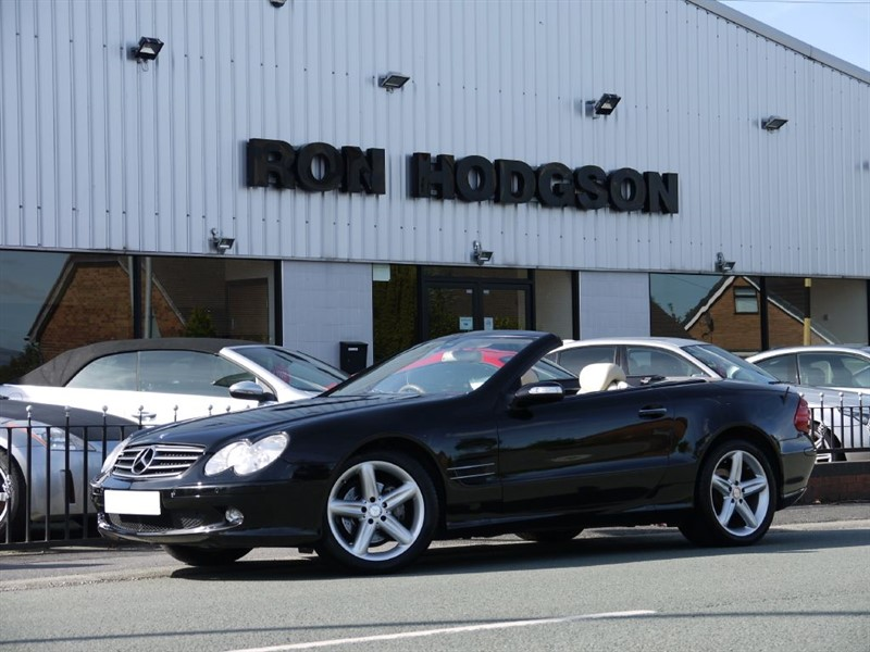 used Mercedes SL350 WITH PANORAMIC ROOF SAT NAV BOSE in lancashire