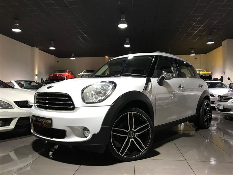 used MINI Countryman ONE ROOF RAILS 19INCH ALLOY WHEELS in lancashire