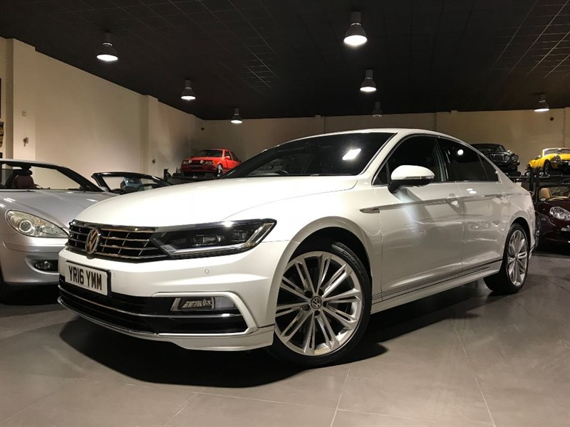 used VW Passat R LINE TDI BLUEMOTION 240BHP TECH 4MOTION DSG in lancashire
