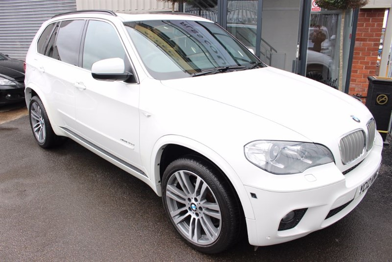 used BMW X5 XDRIVE40D M SPORT-PAN ROOF-360 CAMERA-LOOK AT THE MILEAGE in warrington-cheshire