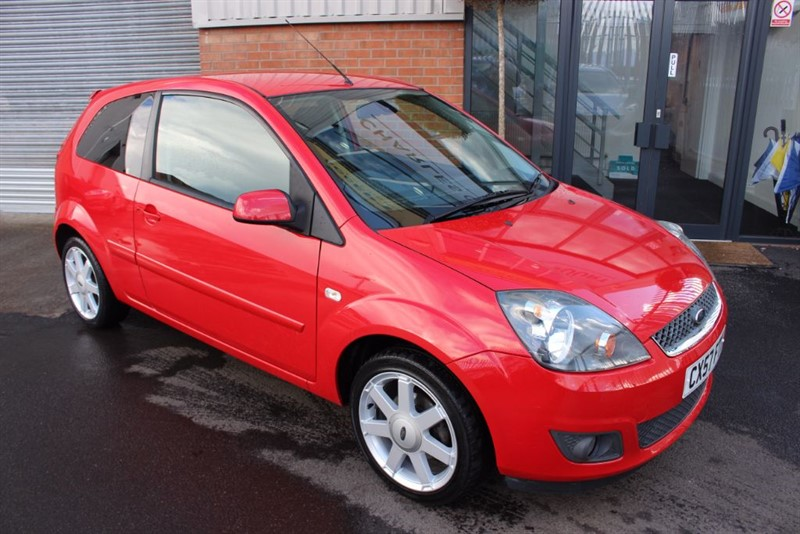 used Ford Fiesta ZETEC CLIMATE 16V-CLOTH INTERIOR-NATIONWIDE DELIVERY in warrington-cheshire