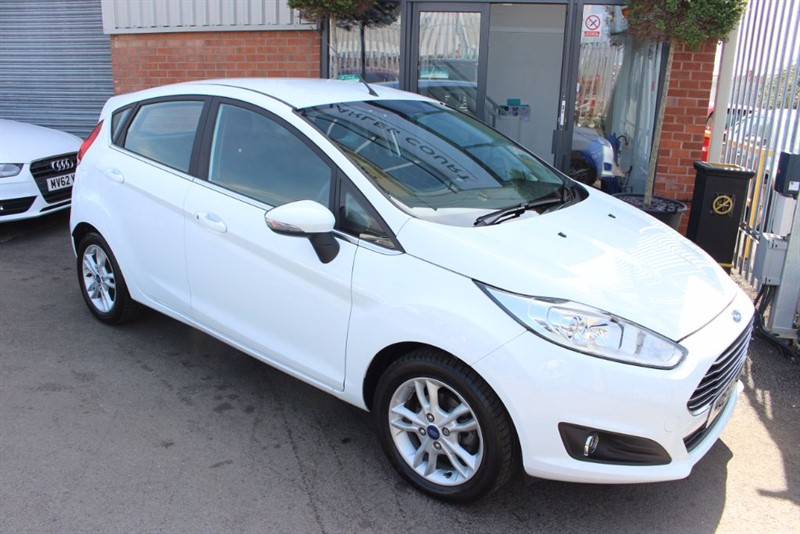 used Ford Fiesta ZETEC-£30 ROAD TAX-LOW MILES in warrington-cheshire