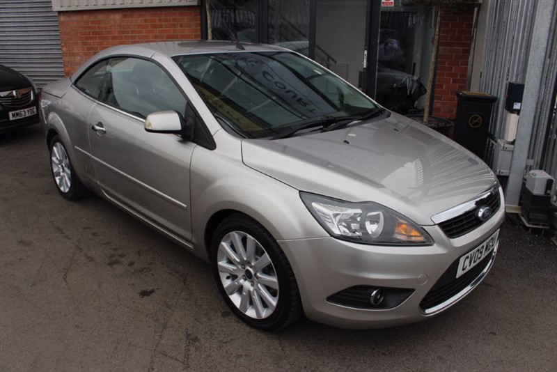 used Ford Focus CC 2-NATIONWIDE DELIVERY-AIR CON-SERVICE HISTORY in warrington-cheshire
