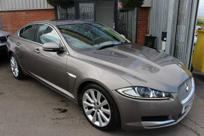 used Jaguar XF D PORTFOLIO-SATNAV-PARKING SENSORS in warrington-cheshire