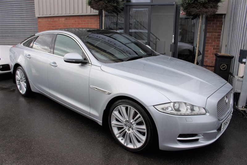 used Jaguar XJ D V6 PORTFOLIO SWB-SAT NAV-REAR CAM-PANORAMIC ROOF in warrington-cheshire