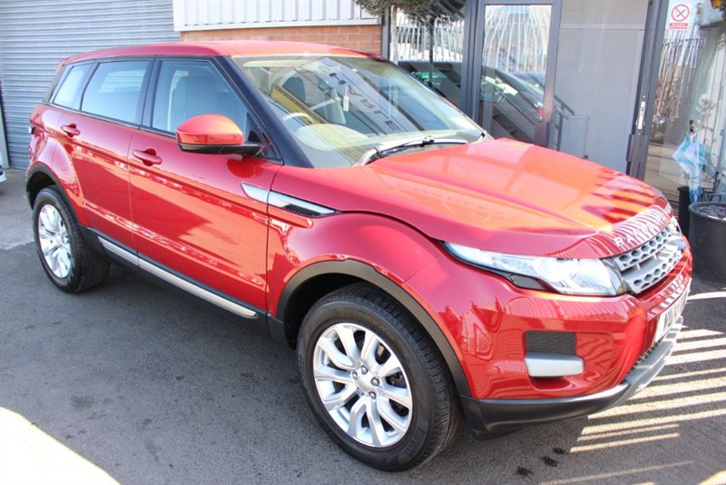 used Land Rover Range Rover Evoque SD4 PURE-1 OWNER-BLUETOOTH & HEATED BLACK LEATHER. in warrington-cheshire