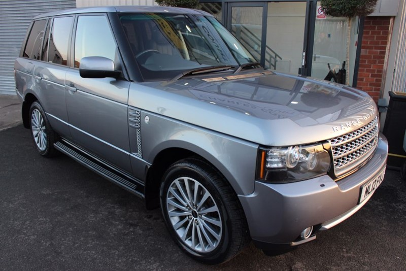 used Land Rover Range Rover TDV8 WESTMINSTER-1 PRIVATE OWNER-REVERSE CAMERA-HEATED LEATHER in warrington-cheshire