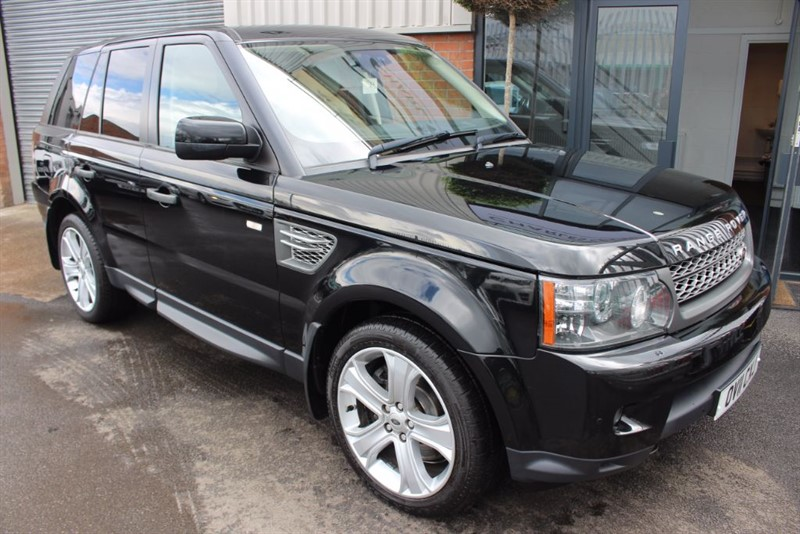 used Land Rover Range Rover Sport TDV6 HSE-IMMACULATE LOW MILEAGE EXAMPLE in warrington-cheshire