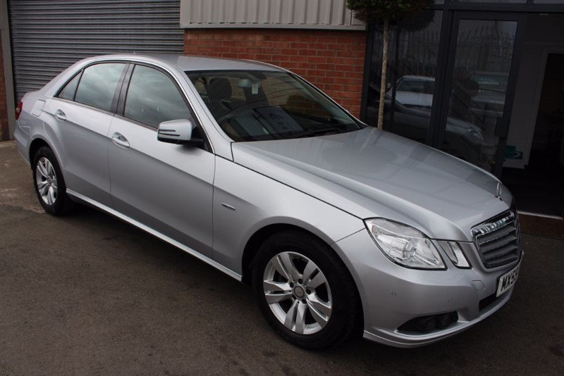 used Mercedes E220 CDI BLUEEFFICIENCY SE-CRUISE CONTROL-HEATED SEATS in warrington-cheshire