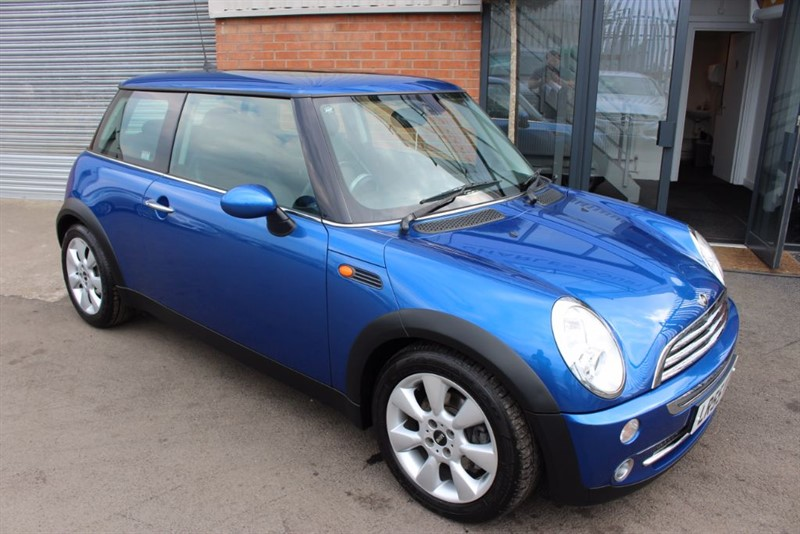 used MINI Cooper CHILI PACK-PAN ROOF & LEATHER in warrington-cheshire