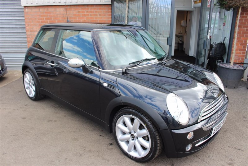 used MINI Cooper CHILI PACK-ULTRA LOW MILEAGE in warrington-cheshire