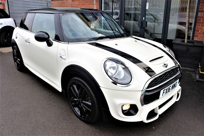 used MINI Cooper S D-SAT NAV-HEATED LEATHER in warrington-cheshire