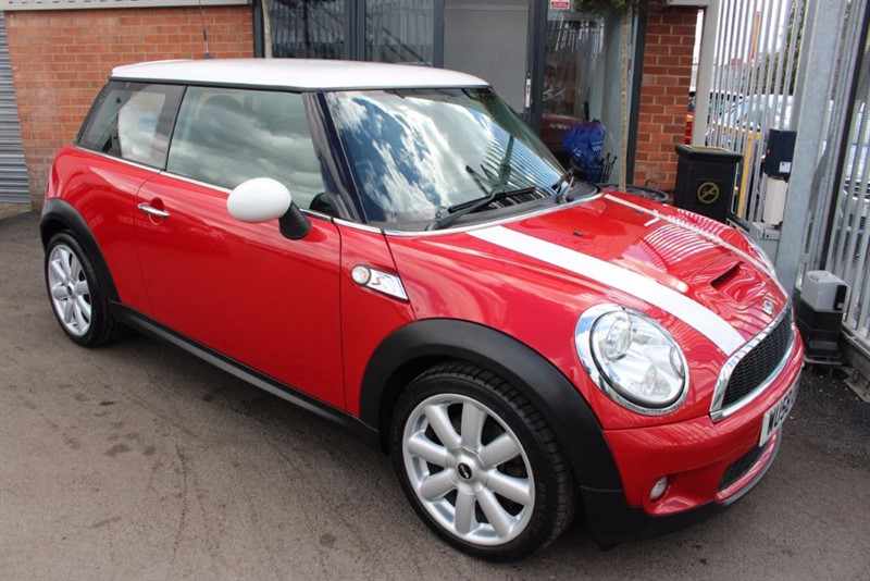 used MINI Cooper S CHILI PACK. in warrington-cheshire