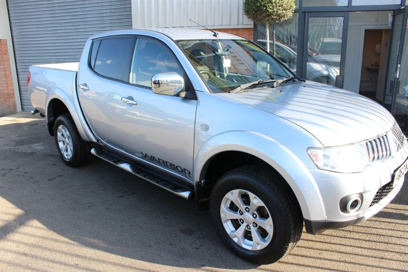 used Mitsubishi L200 DI-D 4X4 WARRIOR LB DCB-CLEAN EXAMPLE in warrington-cheshire