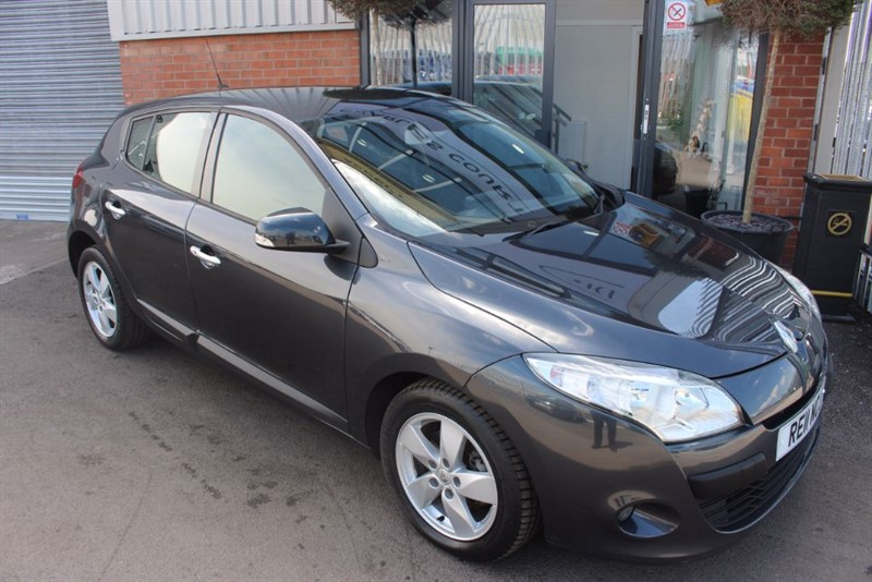 used Renault Megane DYNAMIQUE TOMTOM DCI in warrington-cheshire
