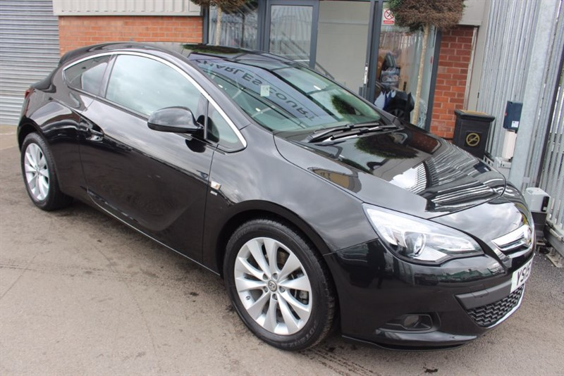 used Vauxhall Astra GTC SRI CDTI S/S-1OWNER-LOW MILEAGE in warrington-cheshire