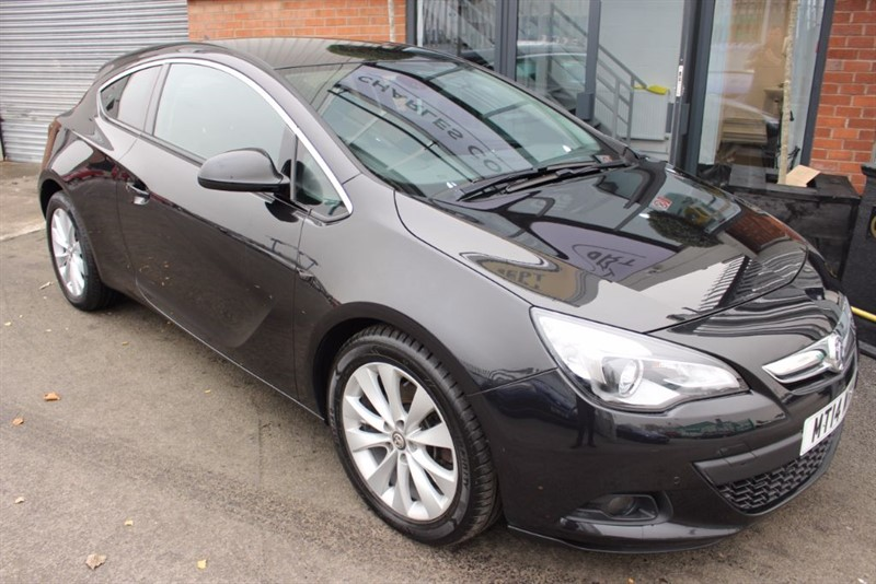 used Vauxhall Astra GTC SRI CDTI S/S-ULTRA LOW MILEAGE in warrington-cheshire