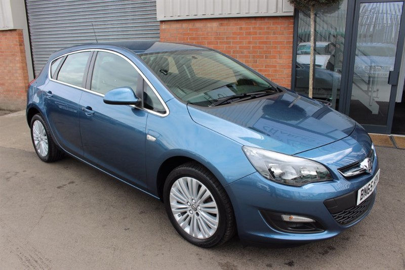 used Vauxhall Astra EXCITE in warrington-cheshire