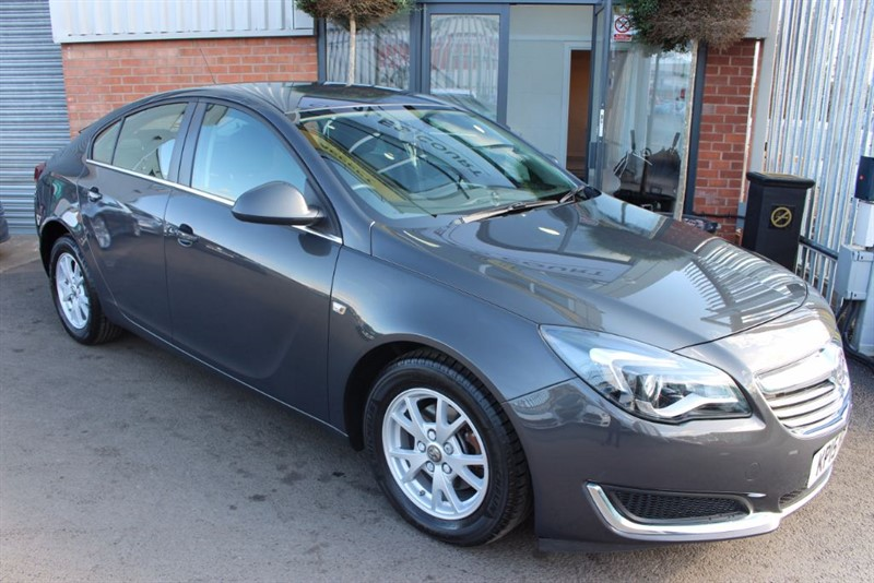 used Vauxhall Insignia DESIGN CDTI ECOFLEX S/S in warrington-cheshire