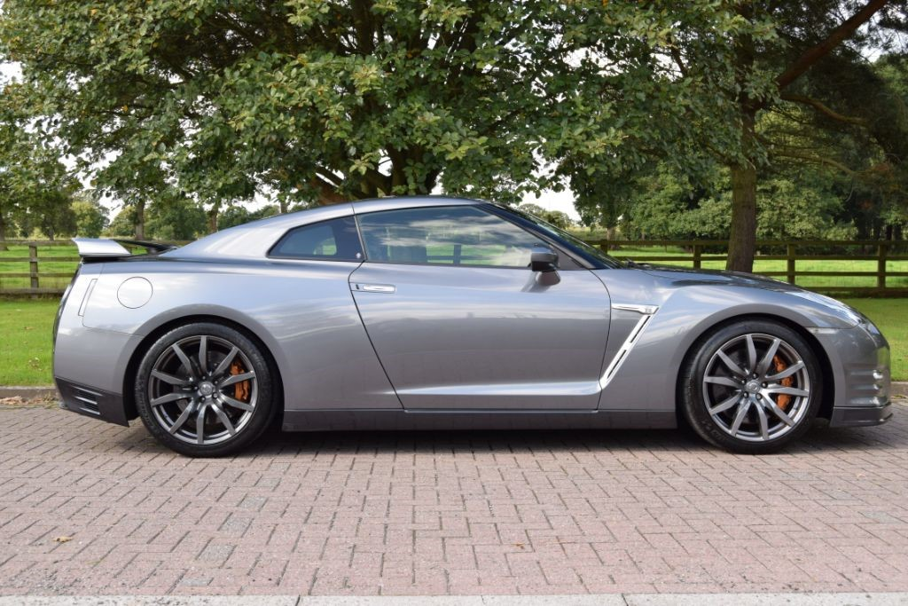 used Nissan GT-R V6 in knutsford-cheshire