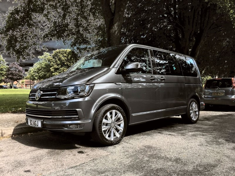 used VW Caravelle EXECUTIVE 4MOTION Bi-Tdi 4x4 Bluemotion 204bhp in Warlingham-Surrey