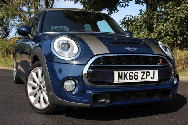used MINI Cooper S 'Chili & Media XL Pack' 5 Door Auto in sheffield-south-yorkshire