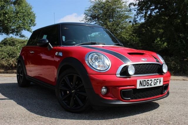 used MINI Cooper S 'Sport Chili' in sheffield-south-yorkshire