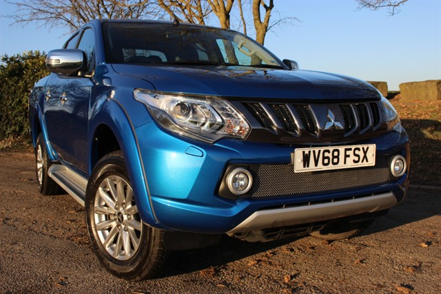 used Mitsubishi L200 Barbarian DI-D AWD Auto Double Cab in sheffield-south-yorkshire