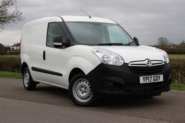used Vauxhall Combo L1H1 2000 CDTI in sheffield-south-yorkshire