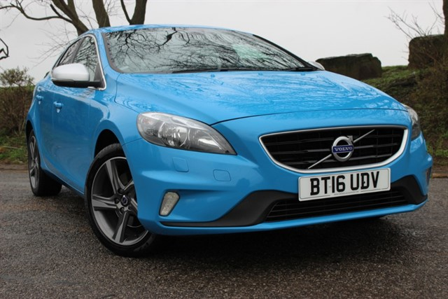 used Volvo V40 D2 R-Design Nav in sheffield-south-yorkshire
