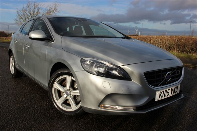 used Volvo V40 D2 SE Nav in sheffield-south-yorkshire
