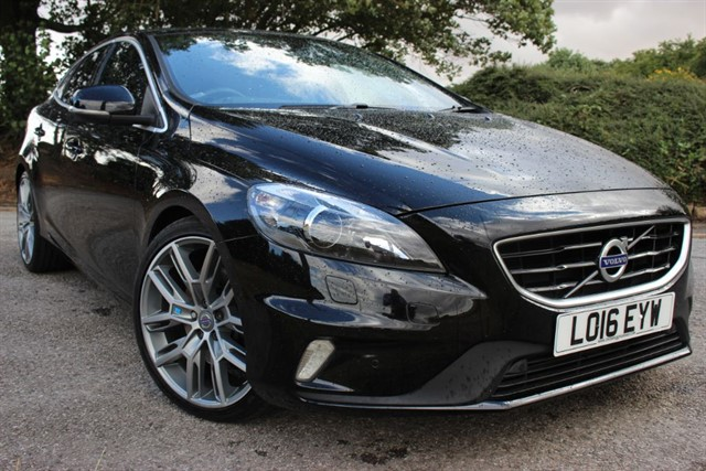 used Volvo V40 T5 R-Design Lux Nav (Polestar) in sheffield-south-yorkshire