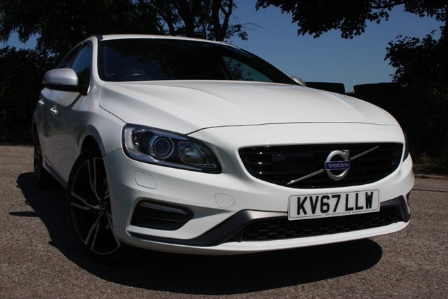 used Volvo V60 D3 R-Design Lux Nav Auto in sheffield-south-yorkshire