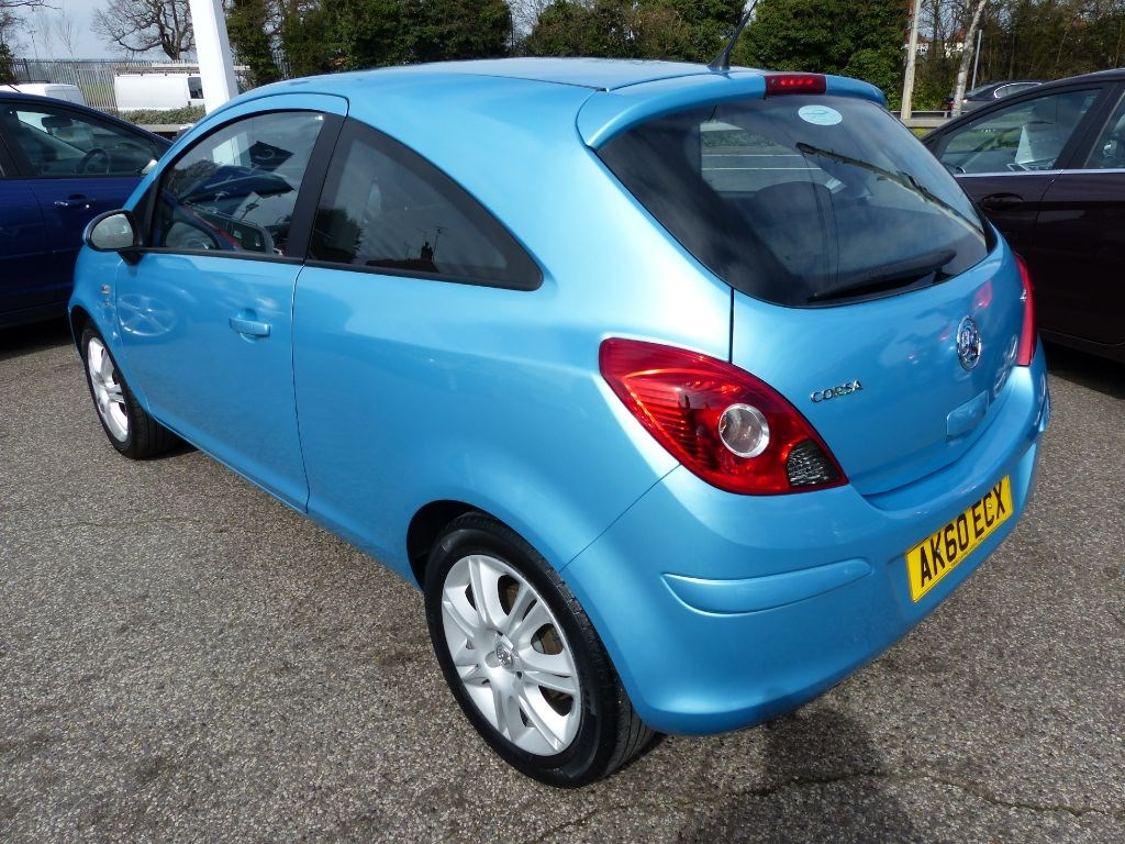 vauxhall corsa 1 3 se cdti turbo diesel in metallic blue for sale leigh on sea essex central. Black Bedroom Furniture Sets. Home Design Ideas