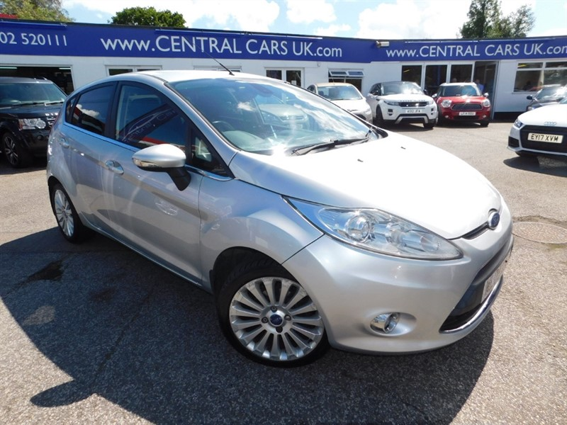 used Ford Fiesta TITANIUM in leigh
