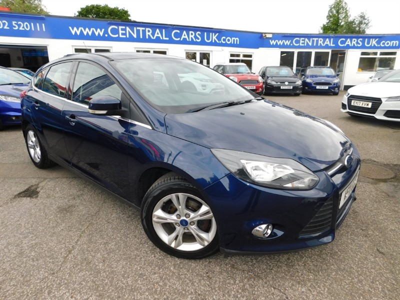 used Ford Focus ZETEC in leigh