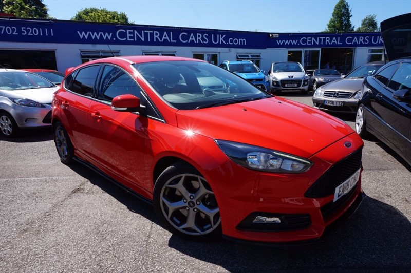 used Ford Focus 2.0 ST-2 TDCI 5 Door in Red in leigh