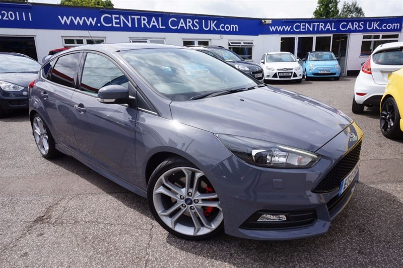 used Ford Focus 2.0 ST-3 5 Door in Stealth Grey in leigh