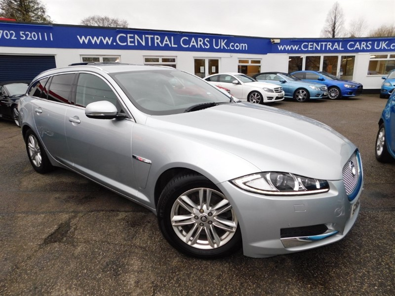 used Jaguar XF D LUXURY SPORTBRAKE in leigh